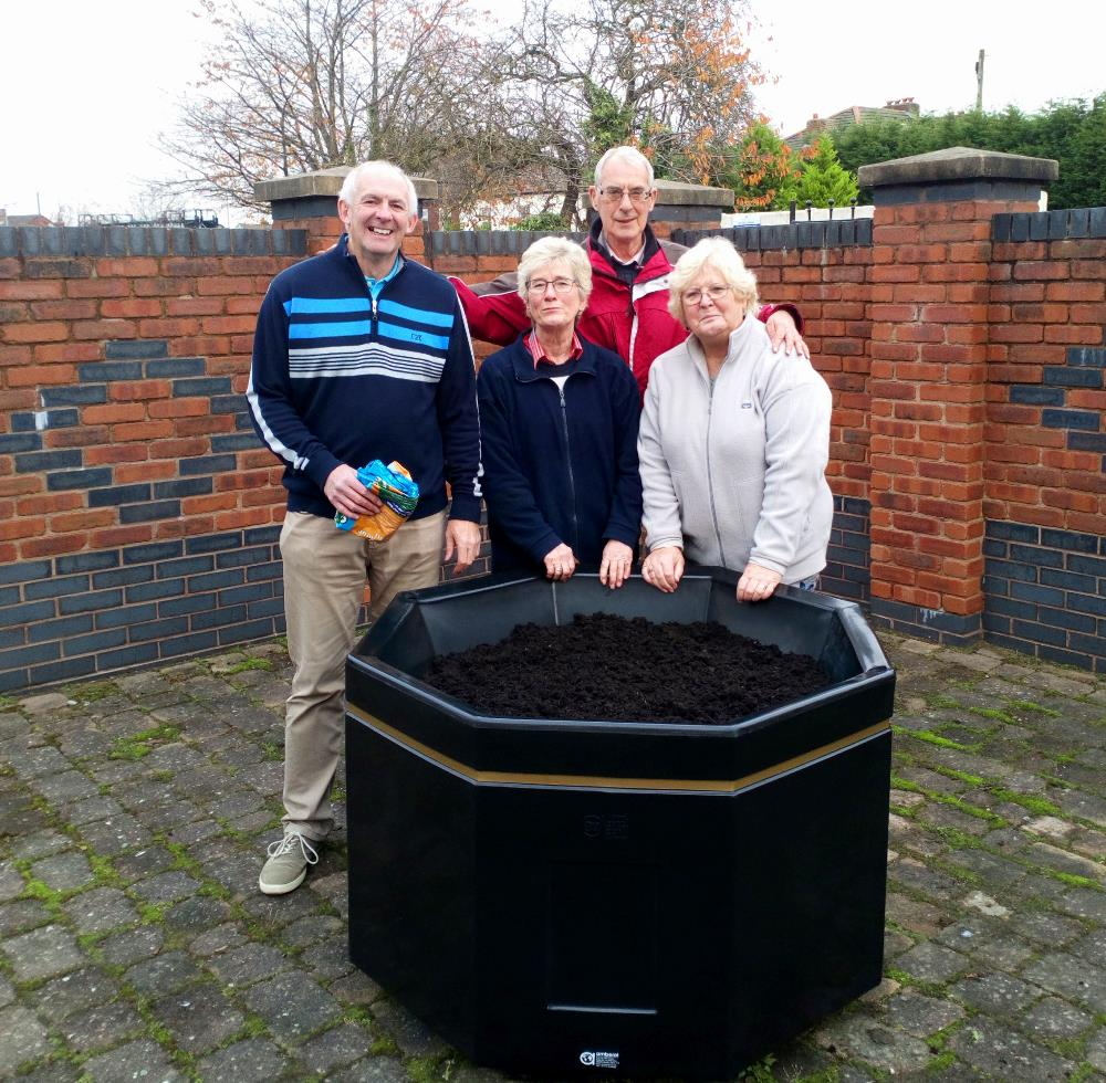 Planter with committee members